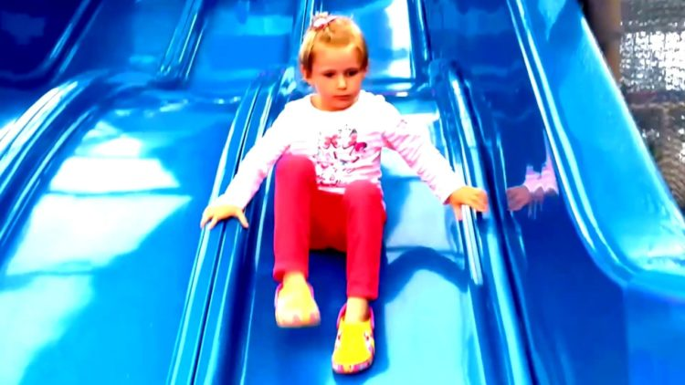 Outdoor-Playground-Amusement-Park-Funny-Baby-Family-Fun-Nursery-Rhymes-Songs-for-Kids